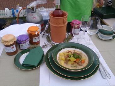 Tárkonyos marharagú leves